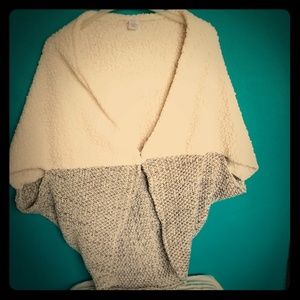 Sweaters - Creamy Faux fur shawl with a knitted part.